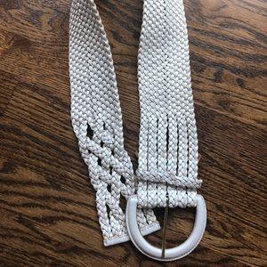 Gorgeous white wide belt ▫️ EUC